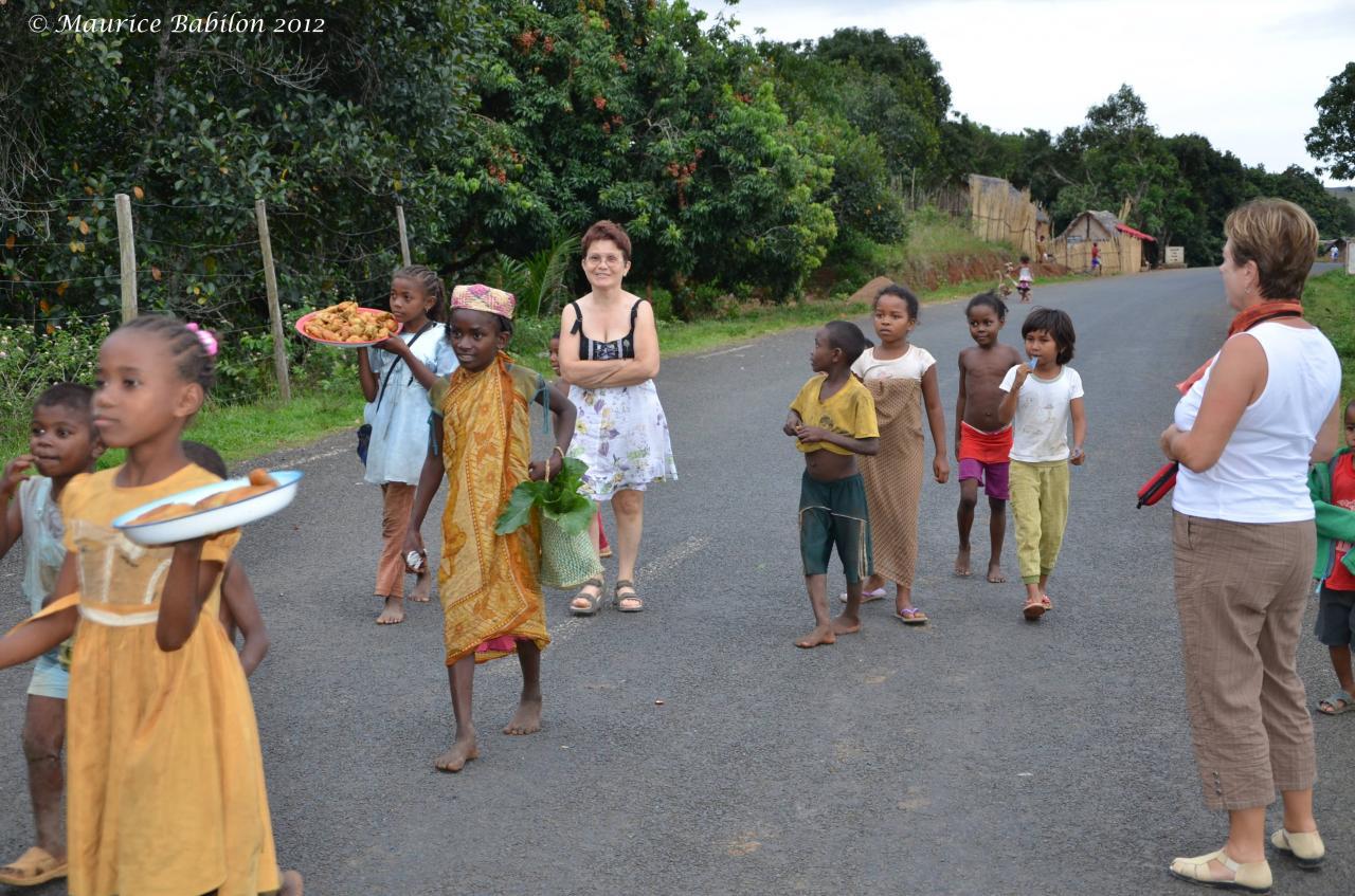 Direction le parc de Ranomafana au relief très accidenté